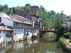 Saint jean pied de port wikipedia - Bus from pamplona to st jean pied de port ...