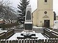 Dorfkirche Ließen Denkmal Gefallene Weltkriege.jpg