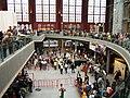 Drukte in het nieuwe Centraal station.jpg