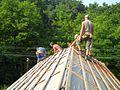 Dulgheri pe acoperis.jpg