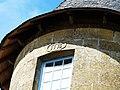 Dussac château tourelle date.jpg