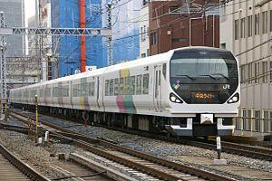 Chūō Liner - An E257 series EMU on a down evening Chūō Liner service in April 2008