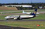 EI-EBE B737-800 Ryanair BHX 29-09-16 (29579210224).jpg