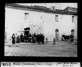 ETH-BIB-Nulvi, Gruppe vor dem Haus, Sardinien-Dia 247-02138.tif
