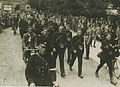 Een groep agenten van politie op het parcours van 50 km passeert Wijchen tijdens – F40299 – KNBLO.jpg