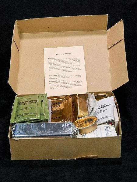 File:Einmannpackung Typ1 offen.jpg