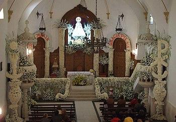 Ermita grande, ornamento floral