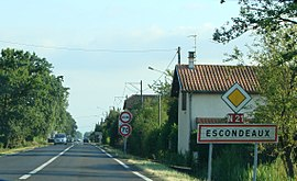 Entering the village from Rabastens-de-Bigorre