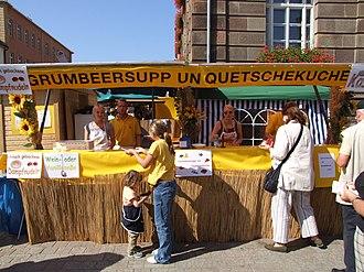 Palatine cuisine - Grumbeersupp und Quetschekuche