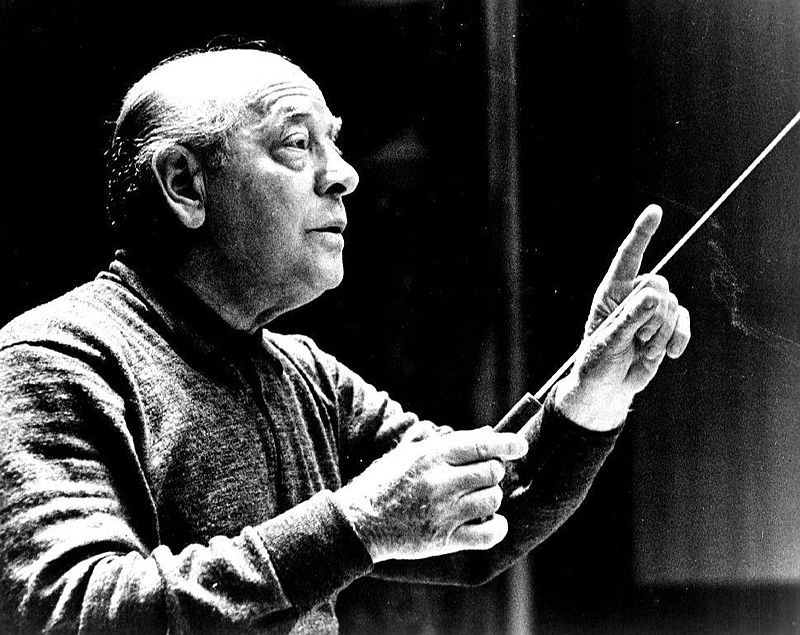 http://upload.wikimedia.org/wikipedia/commons/thumb/f/fe/Eugene_Ormandy_conducting.JPG/800px-Eugene_Ormandy_conducting.JPG