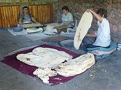 Изготовление лаваша в Нораванк (1) .jpg