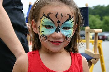 English: Face Painting at South Estes Farmers'...