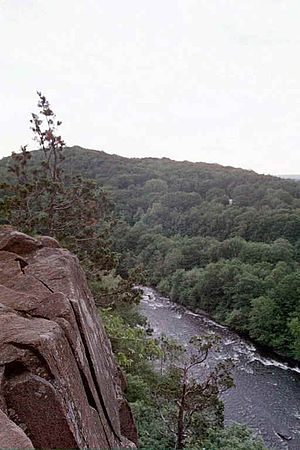 Metacomet Ridge - The Farmington River cuts the Metacomet Ridge in Simsbury, Connecticut