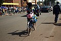 Femmes à vélo à Ouagadougou7.jpg