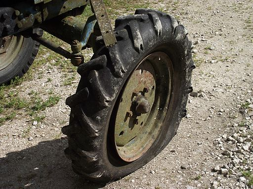 Flat tire on Belarus tractor