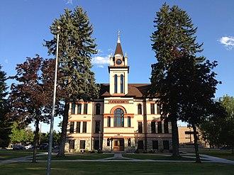 Flathead County, Montana - Image: Flathead County Courthouse Kalispell Montana 20130719