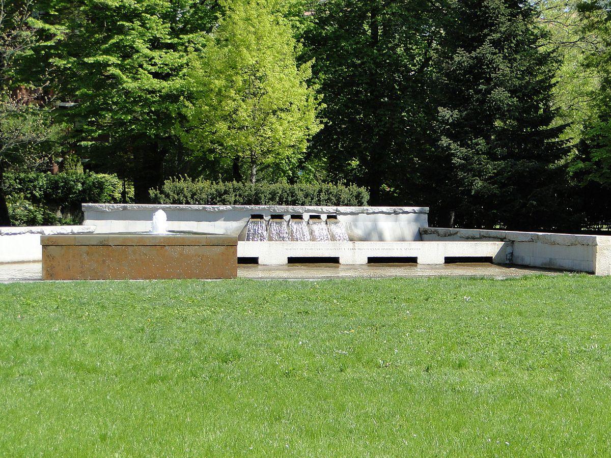 Fontana delle rogge wikipedia for Fontana artificiale