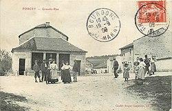 Forcey carte postale La place vers 1908.jpg