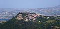 Fortezza di Civitella del Tronto vista dalla SP 52 (TE).jpg
