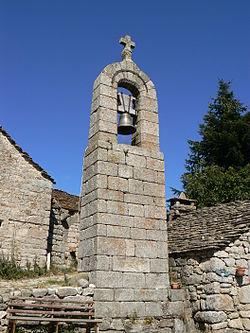 France Lozère Saint-Etienne-du-Valdonnez Clocher de tourmente de La Fage 1.jpg