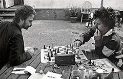 Fredrik Ekelund (t N) ved trækket mod vennen Ronald.   Malmö 1988