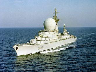 French ship Suffren - Image: French destroyer Suffren (D 602) underway in 1983
