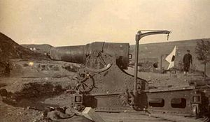 28 cm howitzer L/10 - A 28 cm howitzer during the siege of Port Arthur.