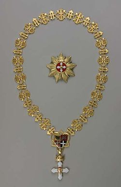 Full view of Order of Vytautas with GC and Star.jpg