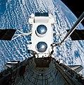 Gamma Ray Observatory grasped by Atlantis' Canadarm (S37-99-0098).jpg