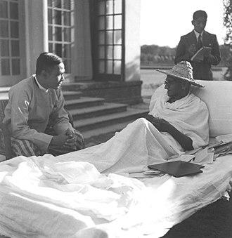 U Nu - Mahatma Gandhi with Thakin Nu, Premier of Burma, at Birla House, Delhi, December 4, 1947