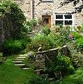 Garden in Cononley - panoramio.jpg