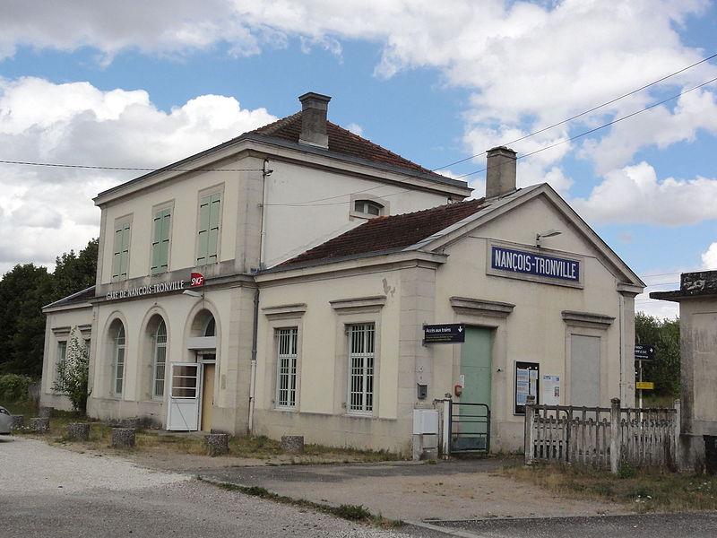Gare de Nançois - Tronville (Meuse) coté rue