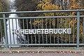 Geländer Hoheluftbrücke.jpg