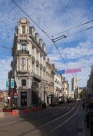 Gent, hoekhuis Hippoliet Lippensplein 25 (oeg19000) op kruispunt Vlaanderenstraat-Brabantdam IMG 0628 2021-08-15 09.51.jpg