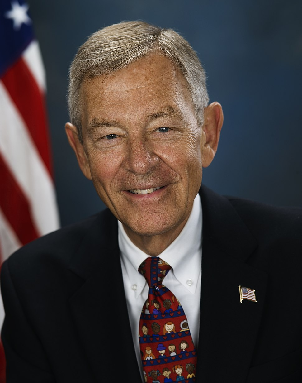 George Voinovich, official photo portrait, 2006