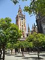 Giralda de Sevilla con adornos.JPG