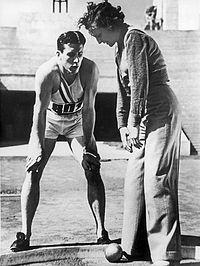 Glenn Morris and Leni Riefenstahl 1936.jpg