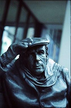 Glenn Gould statue in Toronto