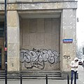 Graffiti and 50s architecture is usually a great match in -warszawa (22999815683).jpg