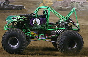 Grave Digger (truck) - Grave Digger 7 with part of its body missing