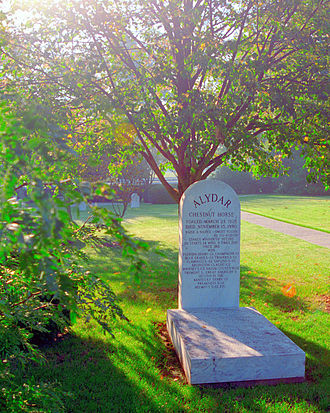 Alydar - Grave of Alydar, Calumet Farm