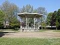 Guingamp - Kiosque du Jardin Public.jpg