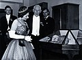 HM Queen Elizabeth II with E.A. Underwood. Photograph by the Wellcome V0027582.jpg
