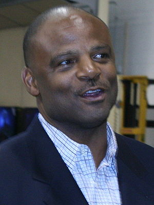 Warren Moon - Moon at Halo 3 launch in Seattle, 2007