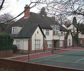 Moor Pool - Image: Harborne Tenants' Estate Office The Circle