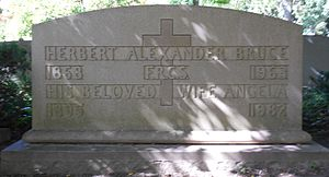 Herbert Alexander Bruce - The gravestone of Bruce (section Q-143) in Mt. Pleasant Cemetery