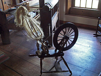 Herkimer House spinning wheel.jpg