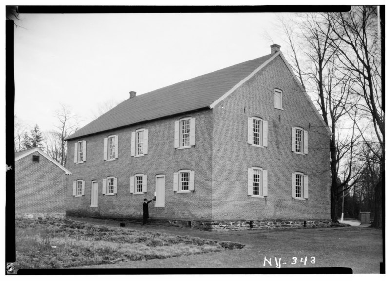 File:Historic American Buildings Survey, Nelson E. Baldwin, Photographer July 27, 1936, DETAILS OF VIEW FROM NORTHWEST. - Nine Partners Meetinghouse, State Route 82 Vicinity, Millbrook, HABS NY,14-MILB,1-2.tif