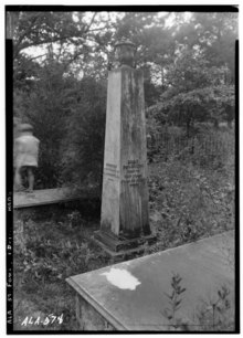 Historic American Buildings Survey W. N. Manning, Photographer, July 18, 1935 TOMB MONUMENT OF COL. JOHN CROWELL, SR. AT FORT MITCHELL, ALABAMA - Crowell-Cantey-Alexander House, HABS ALA,57-FOMI,1-15.tif