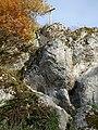 Holzkreuz auf Felsen.jpg